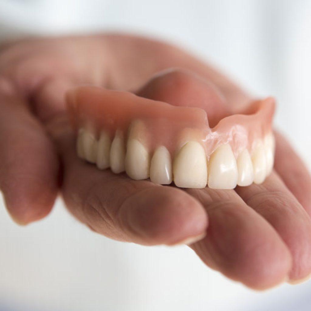 Prothesenhygiene